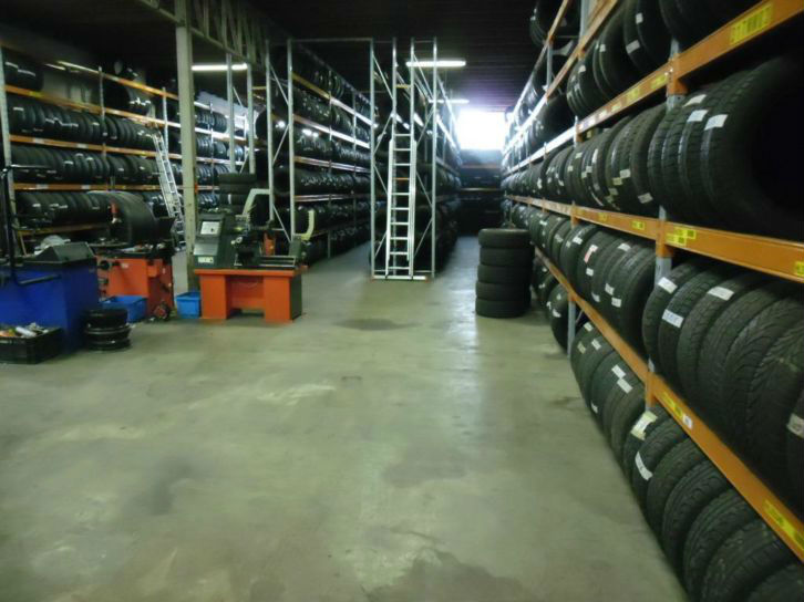 wholesale export Used Tyres / Tires Single and Pair Tires mixed from 13 to 22 inches from 4mm+ to 7mm+ are 10euro per / tire