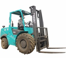 Low Mast High Ground Clearance Four Wheel Drive Forklift for Sale