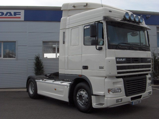 Daf Xf95. 430 2005 Space Cab Right Hand Drive Truck