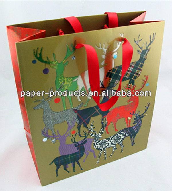 Matt Lamination Printed Deers Christmas Theme Special Paper Gift Bags For Xmas Packing