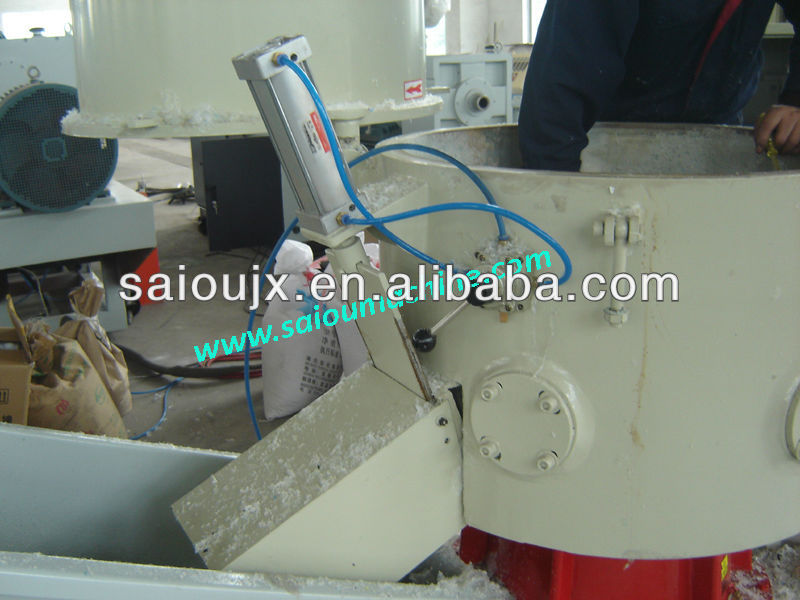Plastic films agglomerator and pelletizing machine