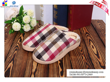2015 china leading hot selling unique personalized supper plush skidproof indoor slipper