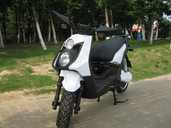 1500W cheap adult scooter 72V motorized vespa scooter motorcycle for sale