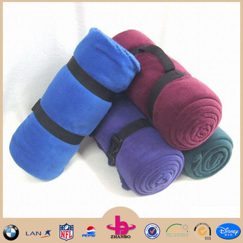 Wholesale cheap handle attached 100% Polyester Polar Fleece Travel Blanket