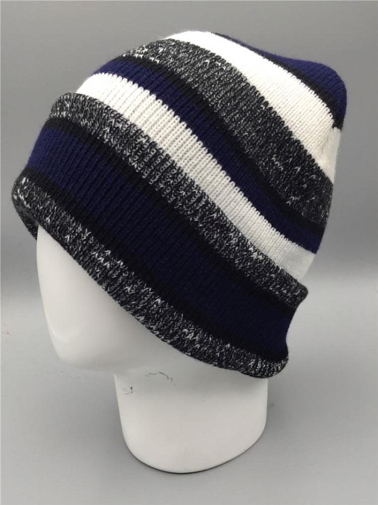 Latest product good quality cheap women polar fleece winter hats with many colors