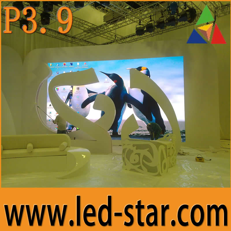 TV studio indoor P3.9 high definition customized LED display hot in Qatar Al Jazeera