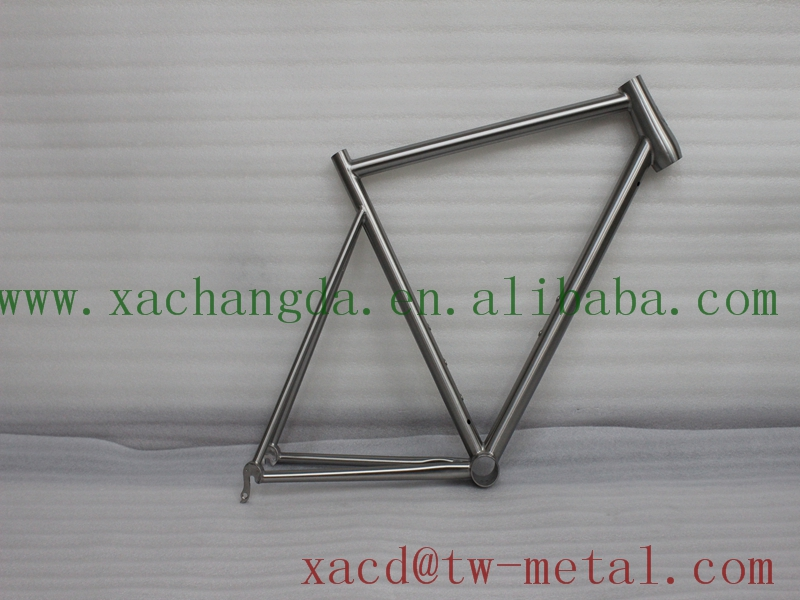 Custom titanium road bicycle frame XACD made titan road bike frame with taper head tube and replaceable dropouts Ti road bike