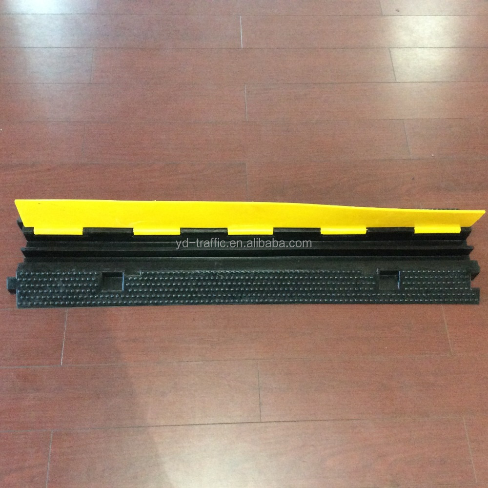 CE certificated 1000*250*50mm 2 channels cable protector reflective rubber speed hump, cable ramp, durable 2 channels cable ramp