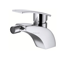 Sanitary Ware Faucets and Mixers Factory-Hot and Cold Water Women Faucet