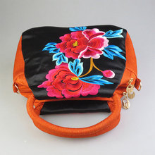 Fashion Shoulder Bag Exquisite Embroidery Printed Handbags For Sale