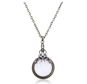 Newest products 2016 fashion vintage metal crystal magnifying glass pendant