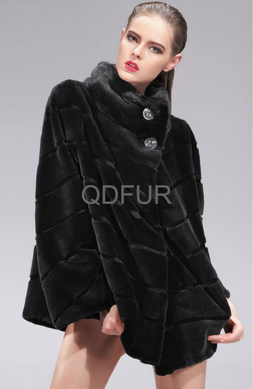 QD27553A Women Sheared Rex Rabbit Fur Coat With Mink Fur Collar
