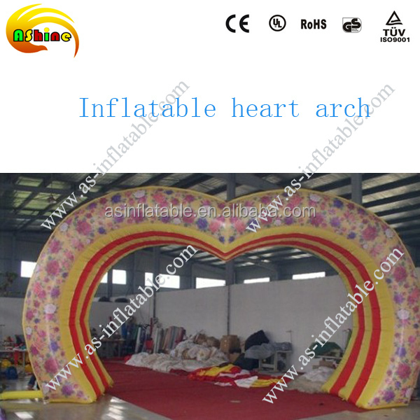 Customized heart shape inflatable garden wedding arch wholesale