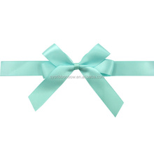 as make decorative bow ribbon for packing