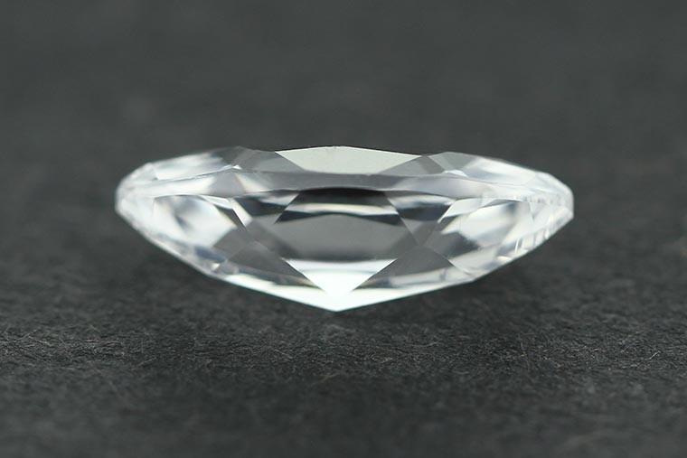 12 whaite sapphire 33