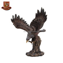 New arrival fashion home decoration nice ambitious resin eagle figurine