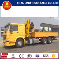 SINOTRUK HOWO 6x4 drive wheel cargo truck with crane for sale