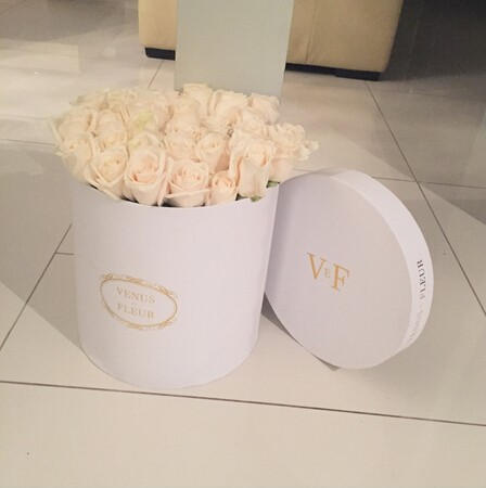 Customized luxury flowr box/luxury rose flower round packaging gift box