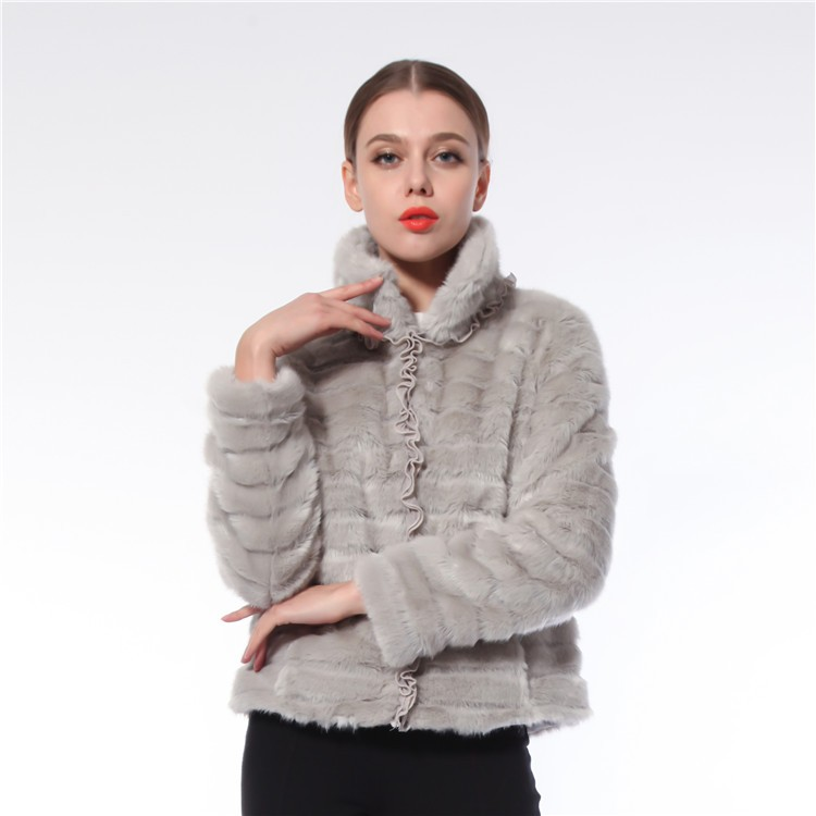 New Design Durable Elegant Europe Style Fur Coats Women