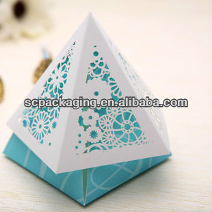 paper apple shaped candy box