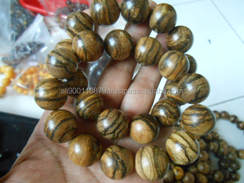 18 mm 13 Round Beads Agarwood oudh West Kalimantan