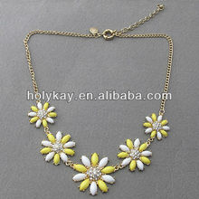 Fashion Victoria Daisy collar necklace,acrylic flower shaped crystal jewelry with gold plated chain necklace