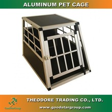 Small single-door aluminum dog cages to protect and transport pets