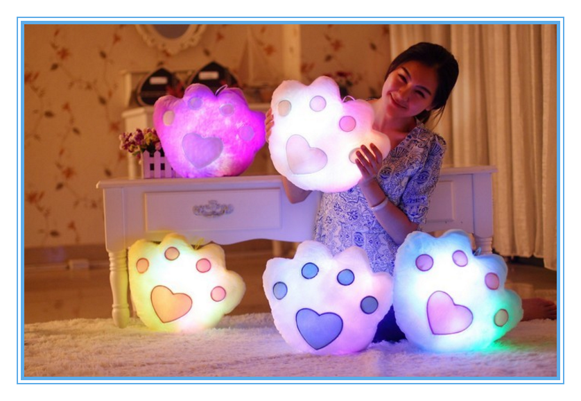 New Arrival Gift Soft Led Pillow Heart Shaped Cheap Price Led Light Pillow For Wholesale