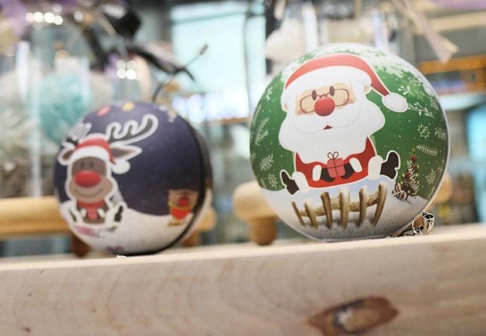 Christmas Decorating Gift 2016 Magic Ball Pokeball Power Bank 6000mAh Cartoon Santa Claus Hand Warmer Powerbank