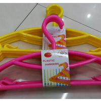 Plastic Colored Garment Hanger 5pcs Set