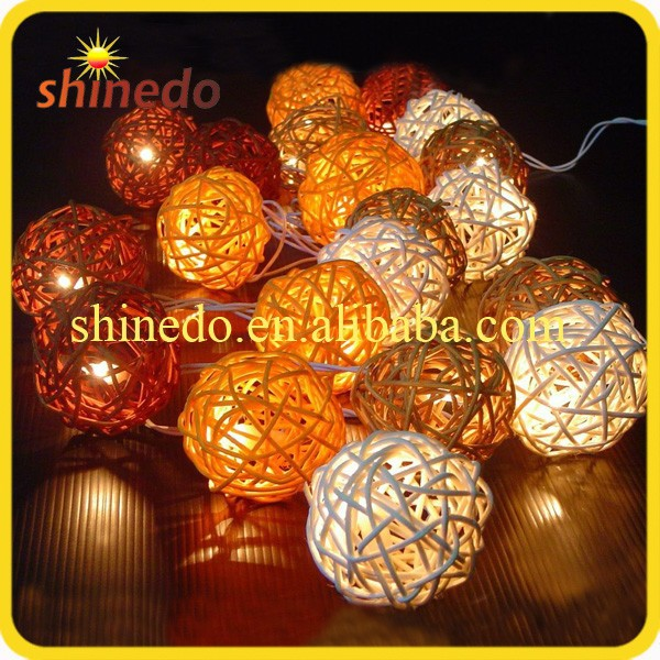 10 LED Classical Design Warm White Rattan Christmas Patio Solar Ball String Light