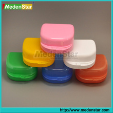 Colorful Plastic Orthodontic Dental Retainer case / Denture box