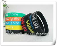 2014 embossed silicone wristbands for christmas party