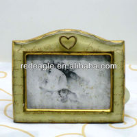 F16 love design family photo frame polyresin material