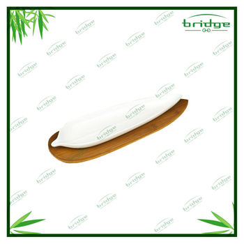 Beautiful leaf shape bamboo dish tray