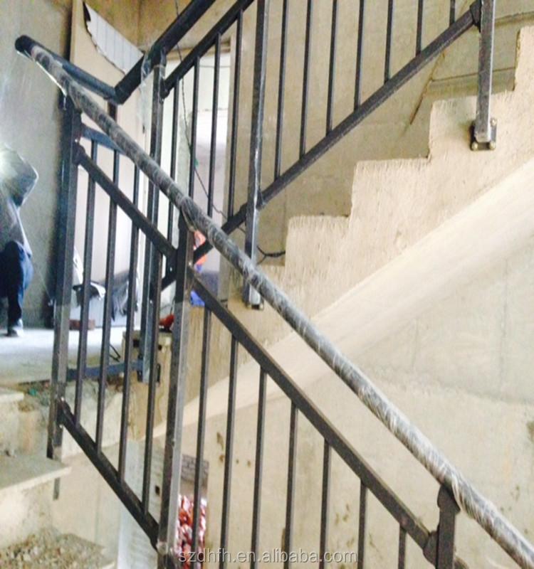 Balcon conception grill ext rieur en fer forg balustrades maison escalie - Balustrade acier exterieur ...