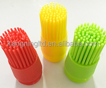 FDA food grade Heat-resistant Silicone Oil Dispenser Bottle with Basting Brush