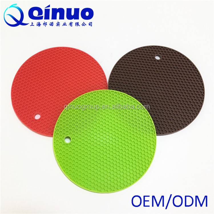Hot sale 2017 customined eco-friendly silicone table pad silicone heat proof pad