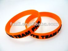 2012 new embossed silicone wristband