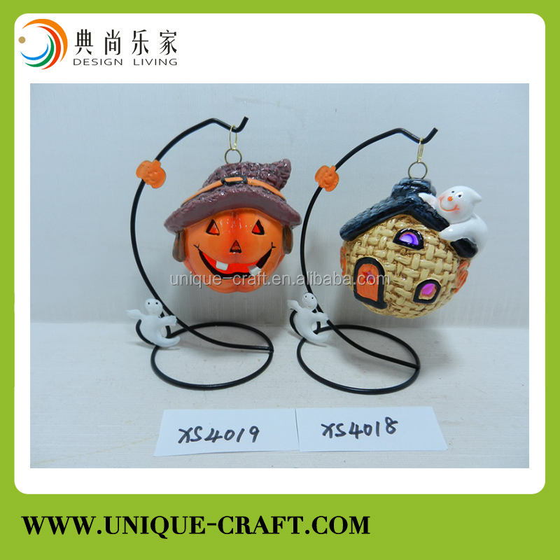 Ceramic house and little ghost decor for Halloween Decoration