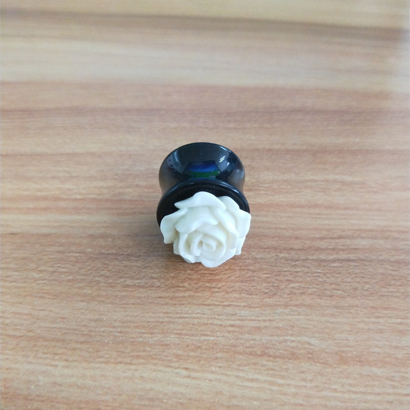 2018 fashion jewelry acrylic flare tunnel white rose ear plugs tunnel wholesale