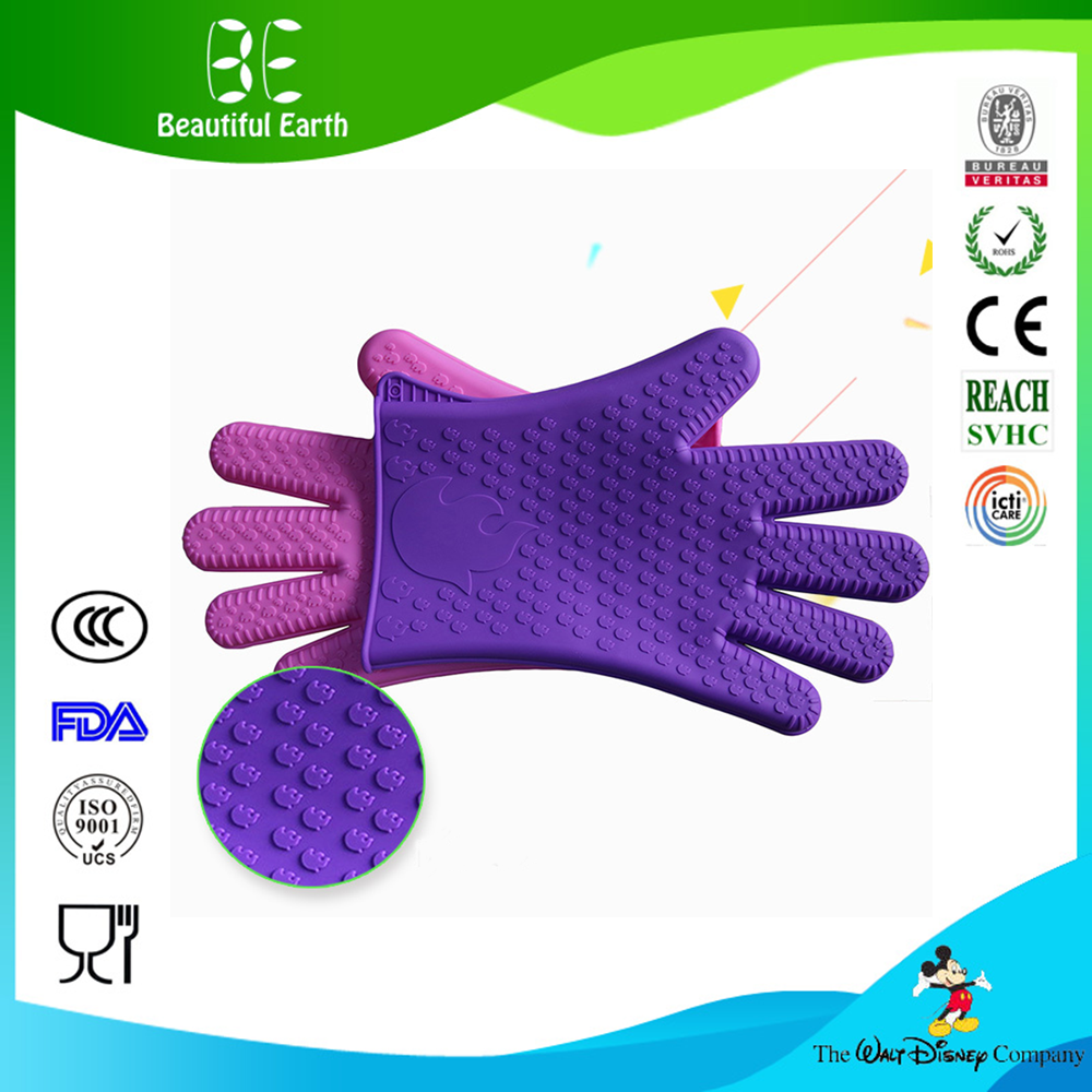 New Product 2016 Innovative kitchen Accesories Custom Silicone Cooking Gloves