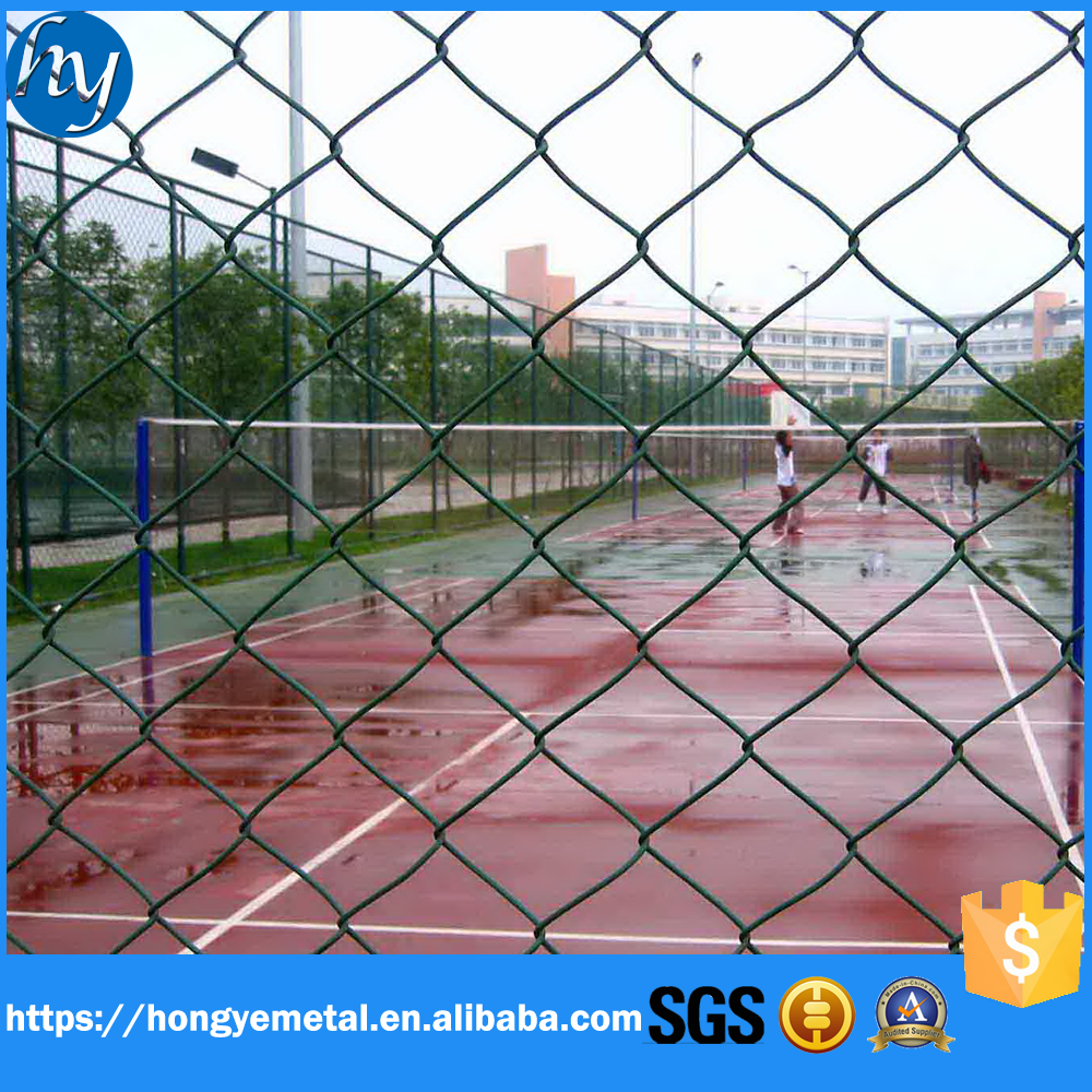 Galvanized Covering Chain Link Mesh Wire Mesh Fence For Sports