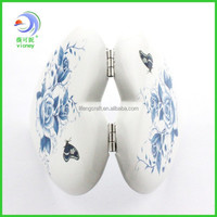 china style heart shape aluminum makeup mirror stand