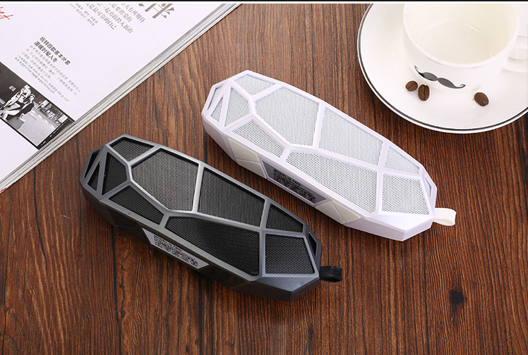 Free shipping Fast express wholesale wireless mini Bluetooth speaker subwoofer outdoor sport portable portable for mobile phone