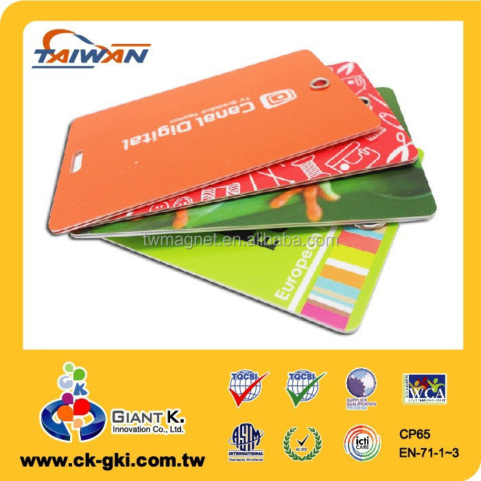 Standard size cheap bulk plastic pvc color sample id card luggage tag