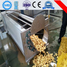 Automatic fruit and vegetable cleaning machine