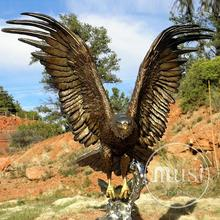 Garden Lawn Decoration Metal Sculpture Life Size Eagle Flying Catching Fish Bronze Statue