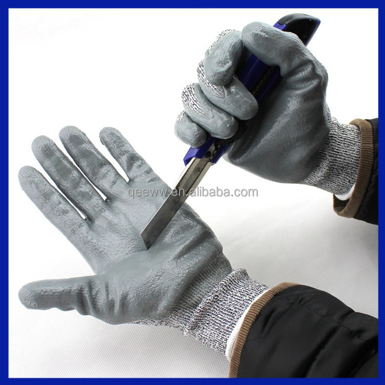 2015 Workplace safety supplier latex coated electric rubber hand gloves