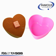 non-stick heat resistant reusable heart shape silicone cupcake liner mold holder with pantone color